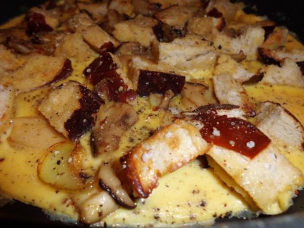 Pfannengericht: Omelett mit Pilzen und Brötchen - Rezept - Bild Nr. 6