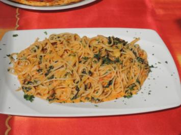 Rezept: Vegan: Reisspaghetti mit Tomaten - Sahne - Soße