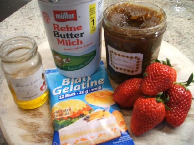 Dessert: Rhabarber-Buttermilch mit Erdbeeren - Rezept - Bild Nr. 2