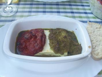 Gebackener Schafskäse mit zwei Pesto und Schichtsalat - Rezept