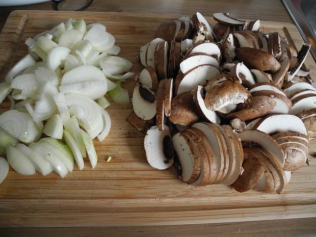 Vegan : Gebratene Petersilien - Polenta mit Dürrpflaumen - Zwiebel - Champignons - Rezept - Bild Nr. 11