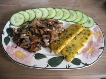 Rezept: Vegan : Gebratene Petersilien - Polenta mit Dürrpflaumen - Zwiebel - Champignons