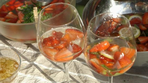 Waldmeister-Maibowle und -Götterspeise - Rezept