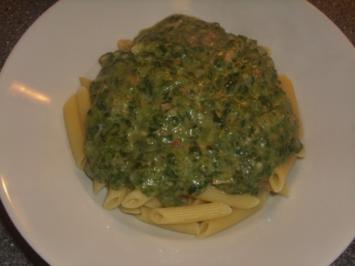 Pasta mit Spinat, Gorgonzola und Schinken - Rezept