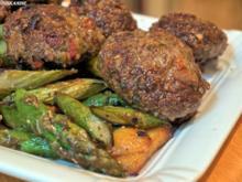Kartoffel-Spargel-Pfanne mit Kürbiskern-Bouletten - Rezept
