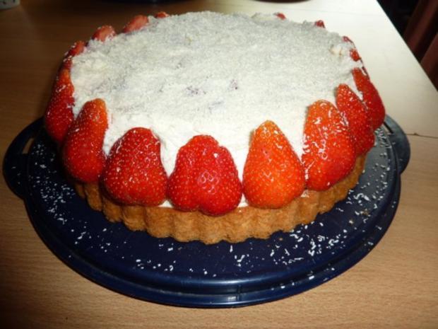 Torten: Erdbeertorte mit Schmand - Rezept
