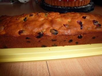 Kuchen: Rührkuchen mit Früchten - Rezept