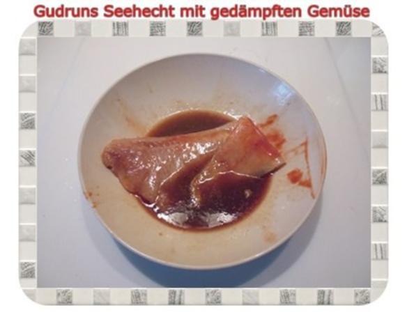 Fisch: Seehecht mit gedämpften Gemüse und Tomatensoße - Rezept - Bild Nr. 4