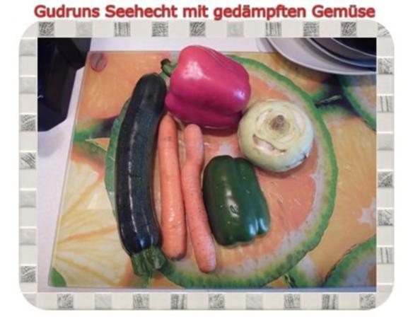 Fisch: Seehecht mit gedämpften Gemüse und Tomatensoße - Rezept - Bild Nr. 5