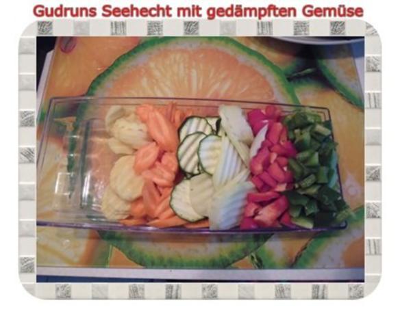 Fisch: Seehecht mit gedämpften Gemüse und Tomatensoße - Rezept - Bild Nr. 6