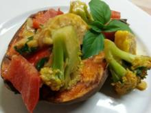 Thai-Curry mit gebackener Süßkartoffel - Rezept