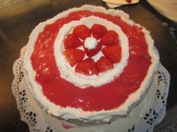 Erdbeer- Überraschungs - Torte - Rezept
