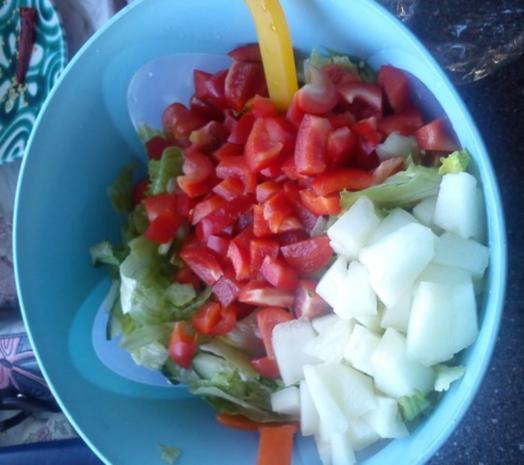 Sommerlicher Salat mit Melone - Rezept - Bild Nr. 3