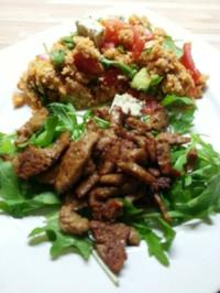Rezept: Couscoussalat mit Avocado und Tomate