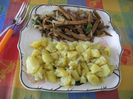 Zwiebel - Seitan  mit schwäbischem warmen Kartoffelsalat - Rezept