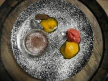 Schwarzes Sesam-Mochi-Eis küsst Himbeer-Mango-Traum dazu Schokoladen-Ingwer Soufflé - Rezept
