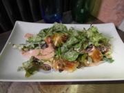 Laugenbrezel-Salat mit Kalbslyoner und Spundekäs-Dressing - Rezept