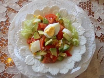 Rezept: Tomatensalat mit Avocados
