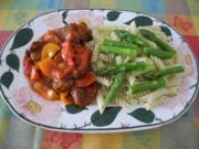 Paprika - Vleisch süss sauer in Tomatensaft an gebutterter Spargel - Pasta - Rezept