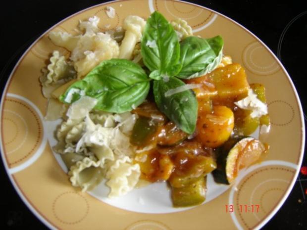 Pasta mit Gemüsesauce - Rezept