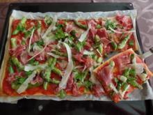 Pizza mit grünen Spargel und Prosciutto-Schinken - Rezept