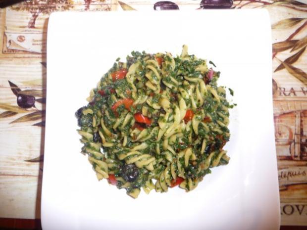 Pasta mit Spinat in pikanter Sauce - Rezept - Bild Nr. 2