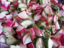 Radieschensalat mit Gurke - Rezept