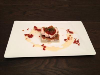 Schwarzfederhuhn aus der Gewürzmilch mit Tomaten, Tomatenmarmelade und Topinambur - Rezept