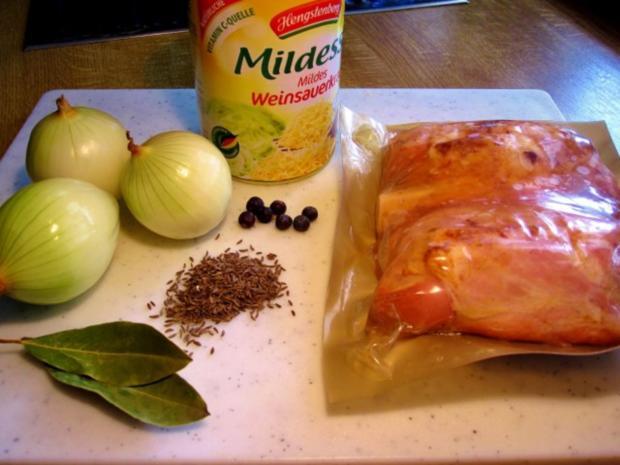 Eisbein gepökelt mit Sauerkraut und Stampfkartoffeln - Rezept - Bild Nr. 2