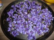 Vorrat :  Für Tee oder  Blüten - Butter - Rezept