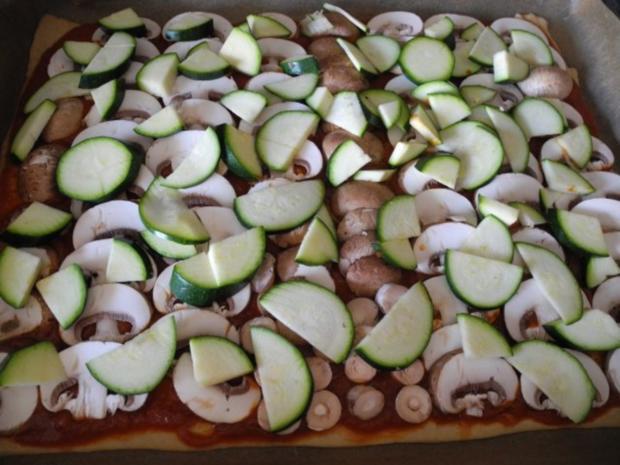 Vegan : Große Gemüse - Pizza - Rezept - Bild Nr. 8