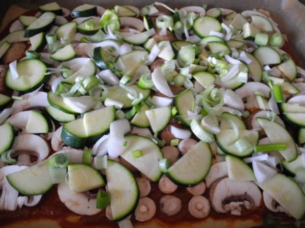 Vegan : Große Gemüse - Pizza - Rezept - Bild Nr. 9