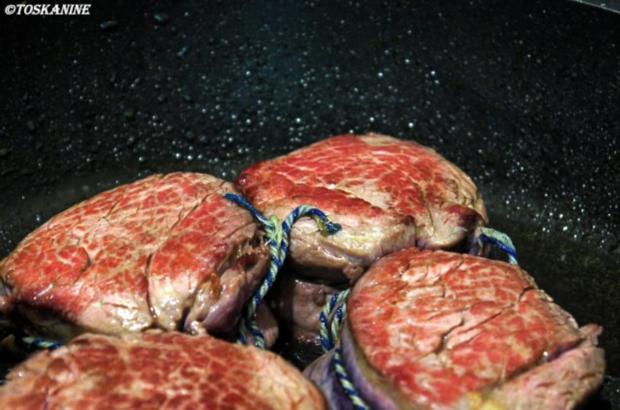 Rinderfilet mit Erdbeer-Pfeffersause, grüner Spargel und Süsskartoffel-Pommes mit Majo - Rezept - Bild Nr. 10