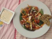Feldsalat mit Mango, Birne und Speck - Rezept