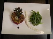 Steak-Tartar, dazu Salat von Meerrettich-Zuckerschoten - Rezept