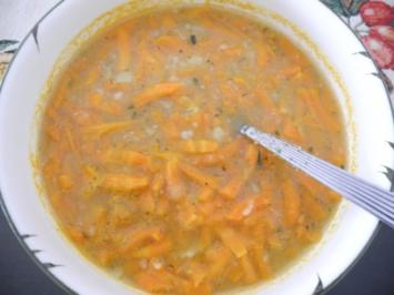 Vegan : Schnelle geraspelte Karotten - Suppe - Rezept