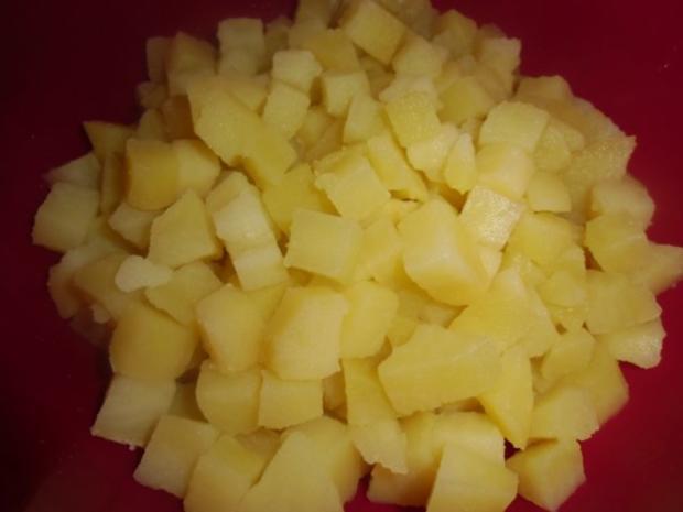 Vegetarischer Kartoffelsalat mit Schnitzelstreifen im Ausbackteig - Rezept - Bild Nr. 3