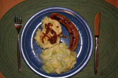 Maiwirsing z.B. mit Kartoffelstampf und Bratwurst - Rezept