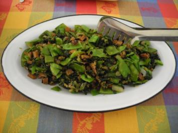 Vegan : Spinat - Zuckerschoten - Gemüse mit gehackten Walnüssen - Rezept
