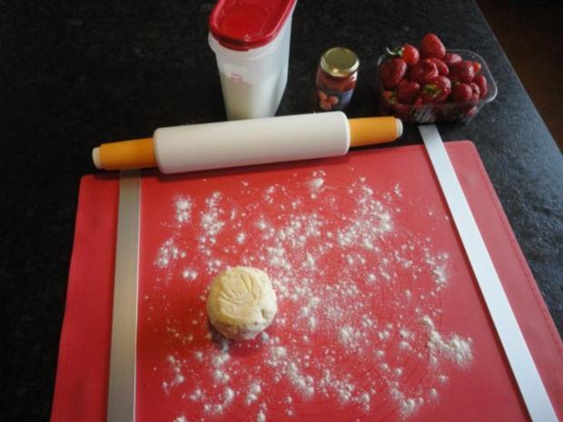 Polsterzipfel mit Erdbeer Fülle - Rezept - Bild Nr. 4