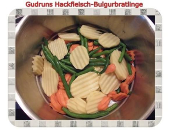 Hackfleisch: Bulgur-Hackfleisch-Bratlinge mit gedämpften Gemüse - Rezept - Bild Nr. 11