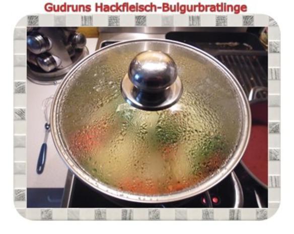 Hackfleisch: Bulgur-Hackfleisch-Bratlinge mit gedämpften Gemüse - Rezept - Bild Nr. 13