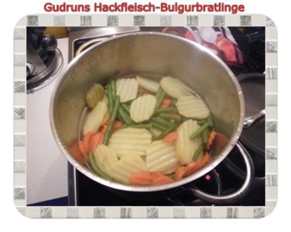 Hackfleisch: Bulgur-Hackfleisch-Bratlinge mit gedämpften Gemüse - Rezept - Bild Nr. 17
