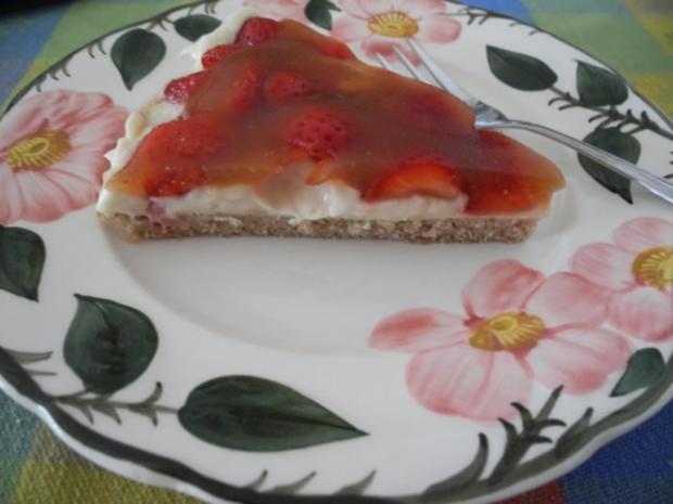 Vegan : Erdbeer - Pudding - Kuchen - Rezept