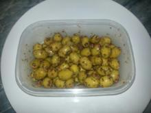 Grüne Oliven in Kräuter eingelegt - Rezept