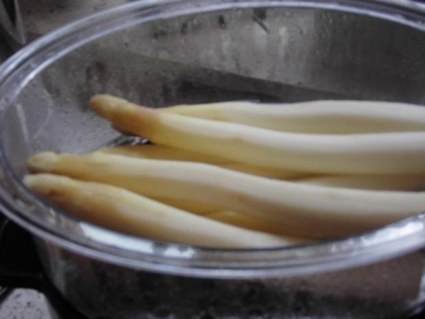 Asparagus mit Kräuter Hollandaise, Natur Reis und marinierte Hähnchen - Innenfilets - Rezept - Bild Nr. 5