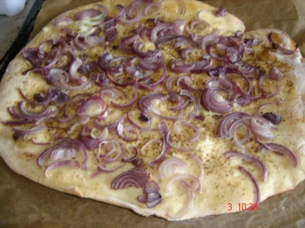 Brot mit roten Zwiebeln - Rezept