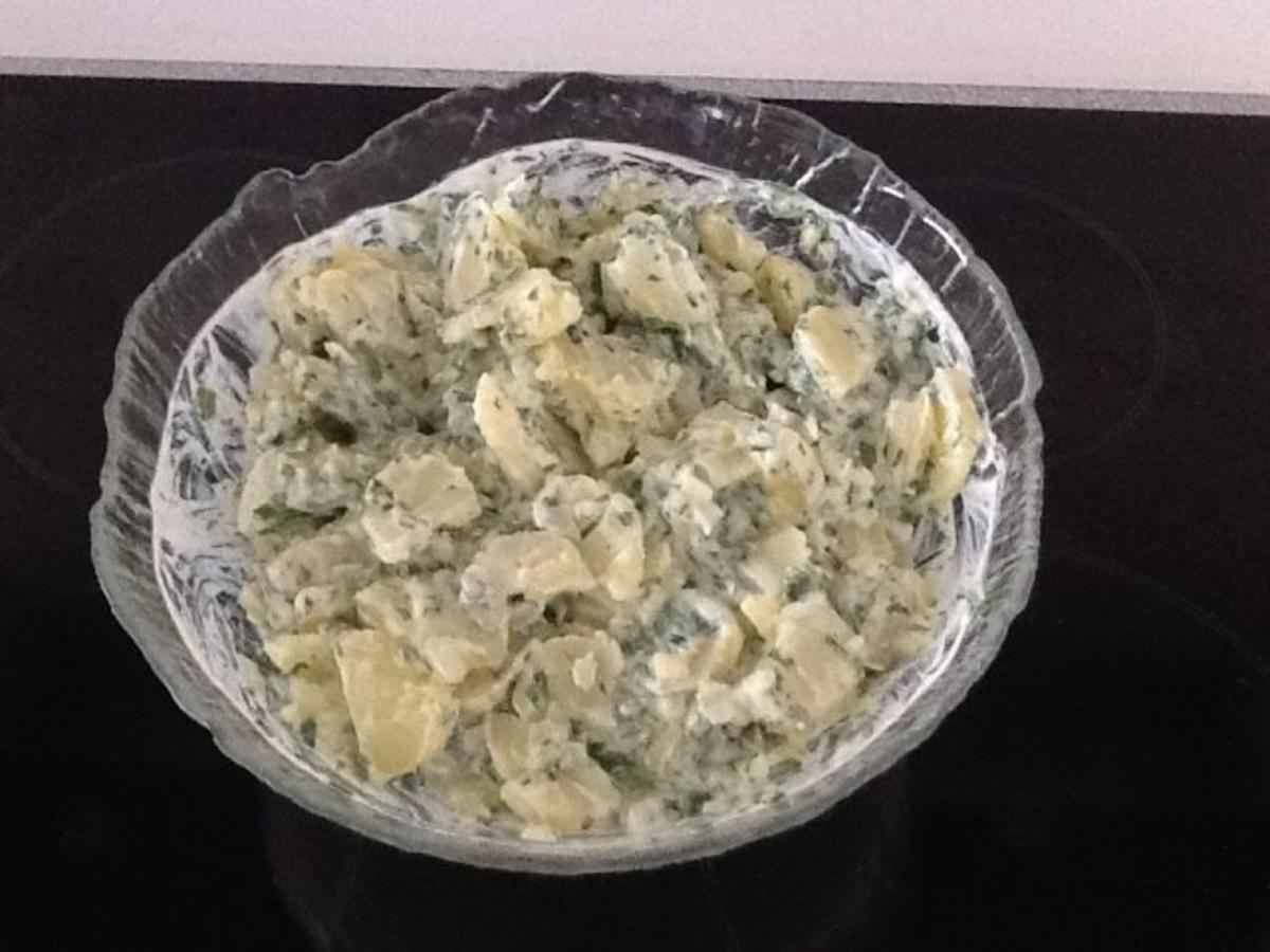 kartoffelsalat mit thomy joghurt salat creme und naturjoghurt rezept mit bild. Black Bedroom Furniture Sets. Home Design Ideas
