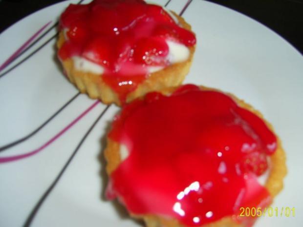 Kuchen: Erdbeer-Torteletts für das Kaffeekränzchen - Rezept - Bild Nr. 6