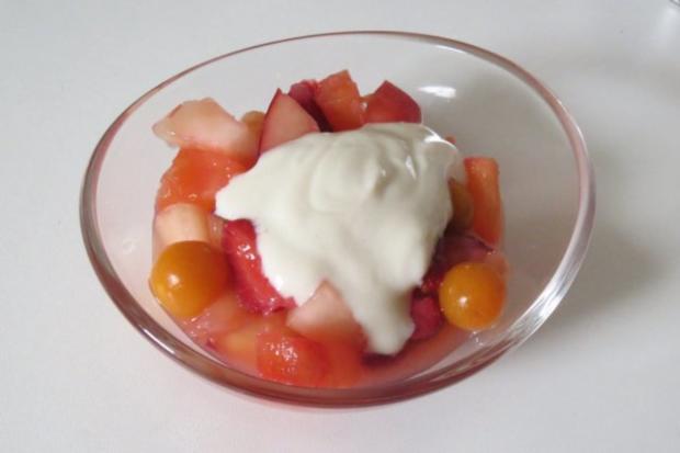 Salat: Obstsalat mit Joghurtdressing - Rezept